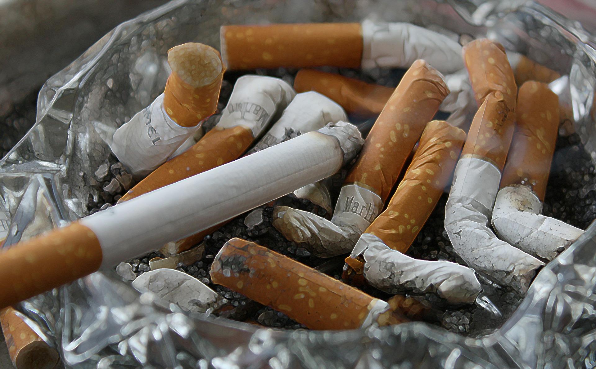 cigarettes-83571_1920.jpg